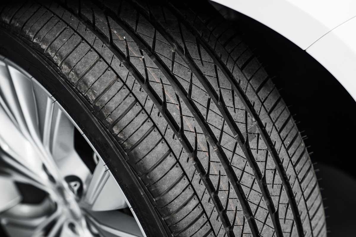 mantenimiento del neumático y el aquaplaning