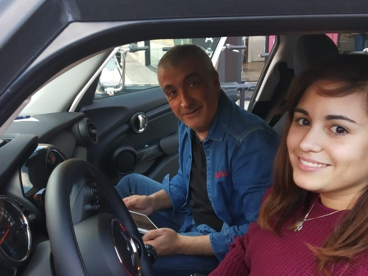 Delia, alumna de autius autoescuela en Zaragoza