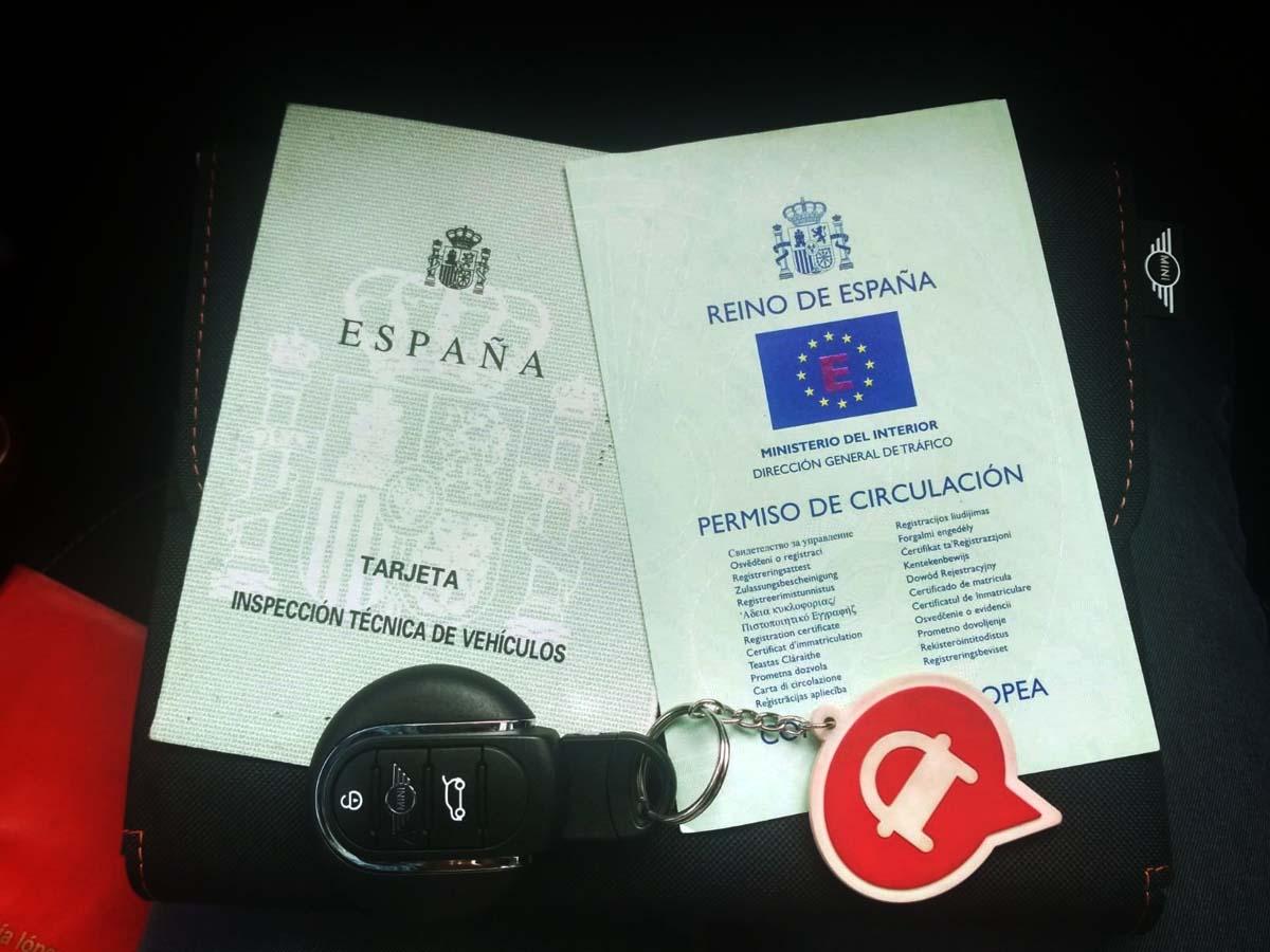 documentos obligatorios en el coche. Tarjeta de Inspección Técnica y Permiso de Circulación