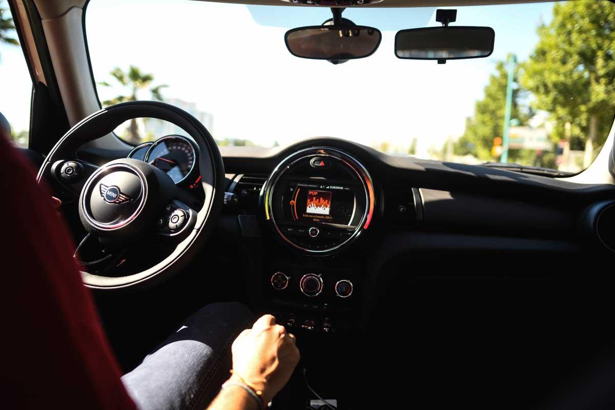 consejos para alquilar un coche en vacaciones