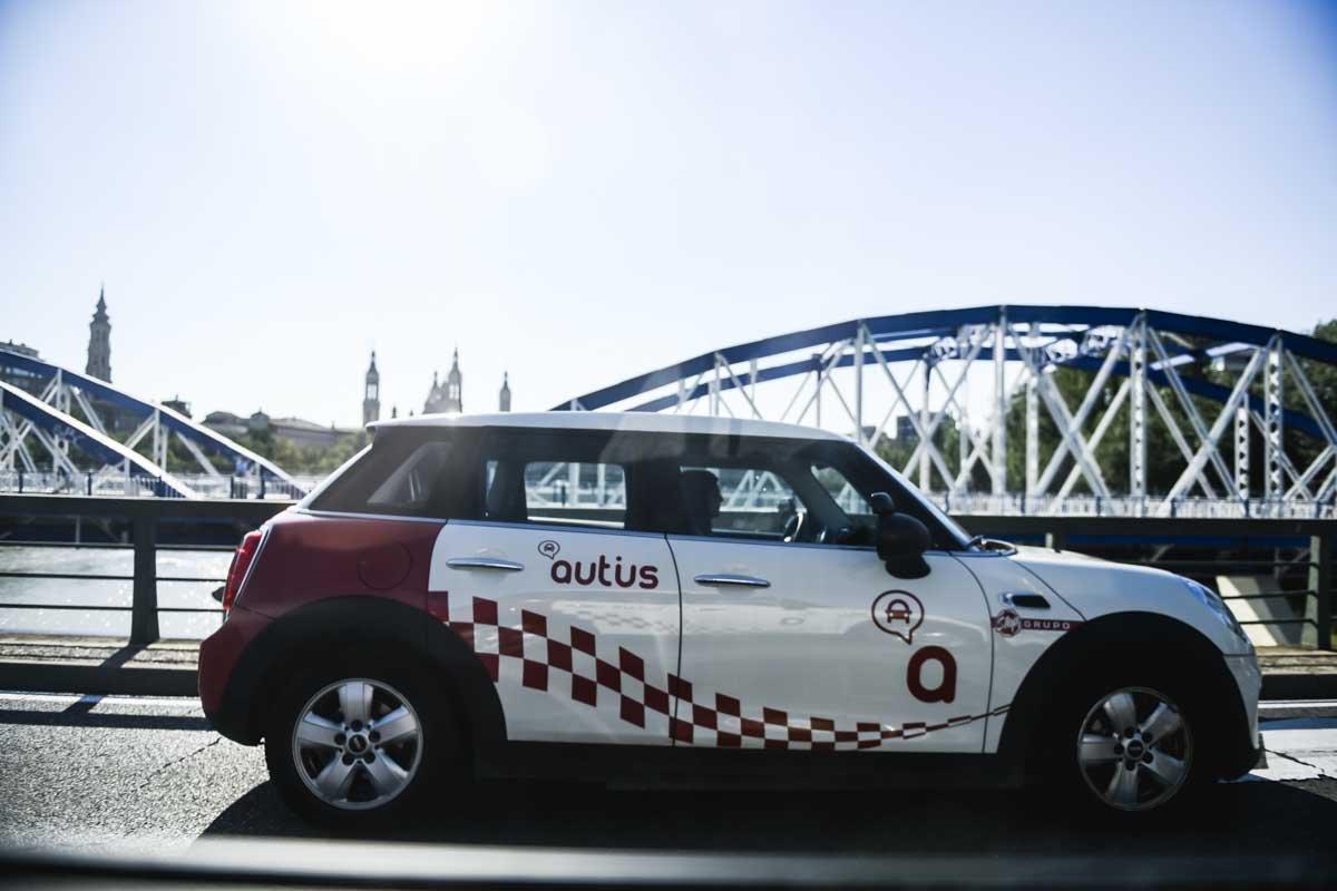 conduce-un-mini-autius-autoescuela-zaragoza
