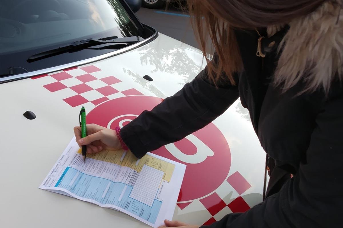 Como hacer un parte de accidente autius autoescuela
