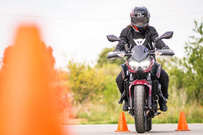 carnet de moto autius kawasaki z400