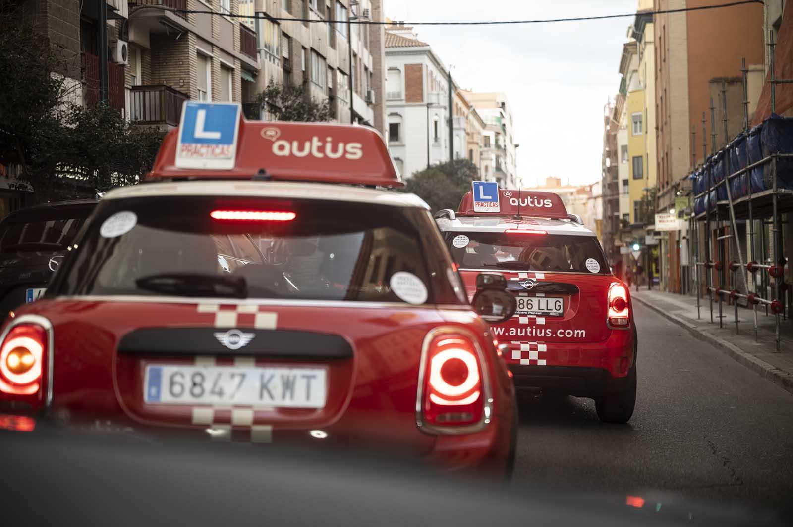 Las luces de emergencia del coche